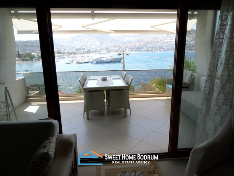APARTMENT WITH STUNNING SEA VIEW IN GUNDOGAN