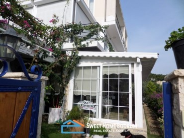 3+1 GARDEN FLOOR APARTMENT WITH SEA VIEW IN YALIKAVAK