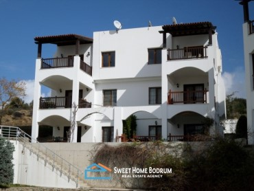 GUMBET, TOP FLOOR APARTMENT IN A COMPLEX