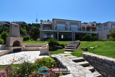 Yalıkavak, Bodrum 2 Seafront Dublex Villas Together for sale with Seaview