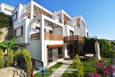 Yalıkavak'ta Satılık Deniz Manzaralı Özel Bahçeli 2+1 Dubleks Villa