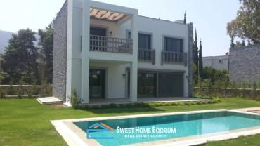 Bahçe içinde, havuzlu, tripleks, 5+1 müstakil villa