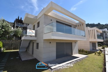 Bodrum center, 3+1 apartment for sale