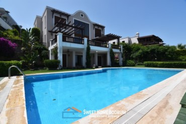 4+2 villa for sale at Yalikavak with panoramic sea view