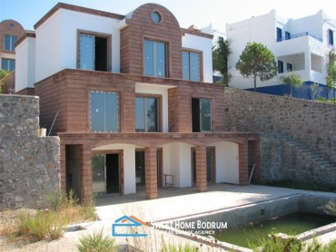 YALIKAVAK GOKCEBEL, FOUR LUXURIOUS SEAFRONT TRIPLEX VILLA