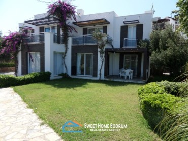 Detached villa in a complex with sea view