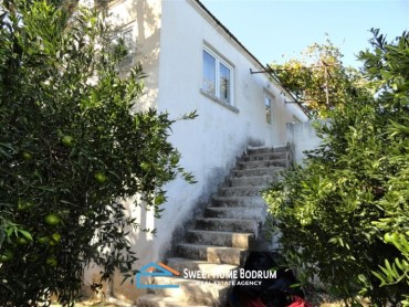 BITEZ BODRUM, 11 ACRE MANDARIN GARDEN WITH WELL CARED VILLAGE HOUSE