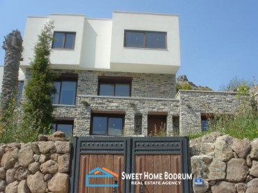 4+1 VILLA IN TURKBUKU WITH SEA VIEW AND PRIVATE POOL