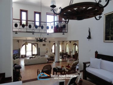 YALIKAVAK, STONE VILLA WITH PRIVATE GARDEN, SEA VIEW AND CLOSE TO THE SEASIDE