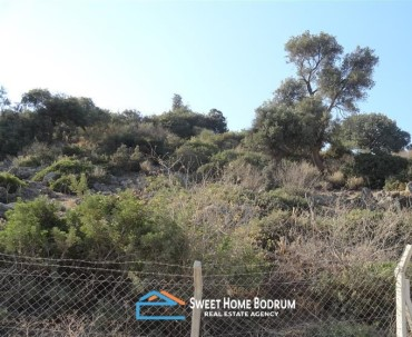 LAND PLOT IN GUNDOGAN, CLOSE TO THE SEASIDE WITH SEA VIEW
