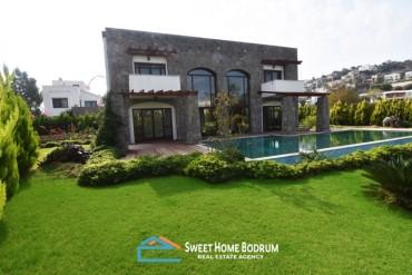 Luxurious villa for sale, walking distance to the sea at Tilkicik, Yalikavak