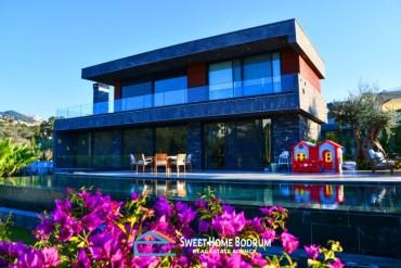 Yalıkavak'ta Satılık 5+1 Özel Bahçe ve Havuzlu Lüks Villa