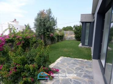 Bodrum, Gumusluk Detached 2+1 villa with private garden