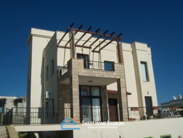 Villa for sale at Yalikavak in a complex