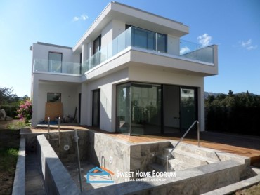 3+1 villa for sale in Bitez