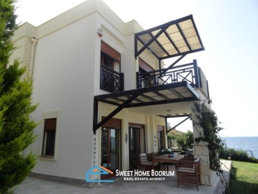 Bodrum, Yalikavak, villa for sale in a seafront complex