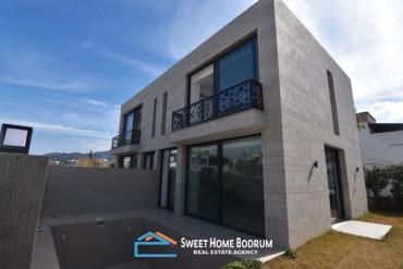 Bodrum Yalıkavak'ta Denize Çok Yakın Satılık Dubleks Villa