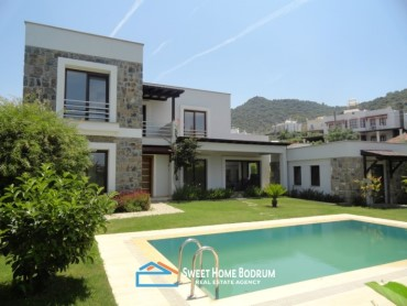 Bodrum Yalıkavak 4+1 Villa for sale at the center