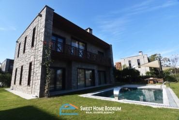 Bodrum Yalıkavak'ta Satılık, Butik Sitede, Denize Yakın, Havuzlu Villa