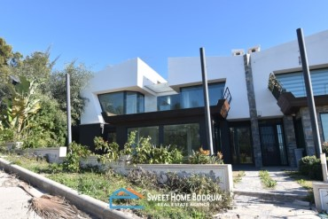 Turgutreis, modern villa for sale 50m to the beach