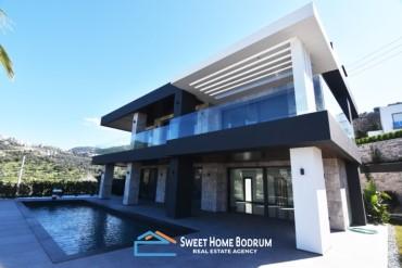 Bodrum Yalıkavak'ta Deniz Manzaralı Müstakil  Lüks Villa