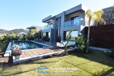 Yalıkavak'ta Site İçinde Satılık Özel Bahçe ve Havuzlu Villa