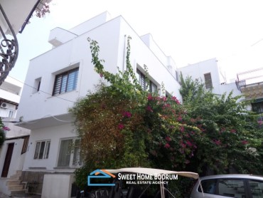 House for sale at Bodrum Center very close to the sea side