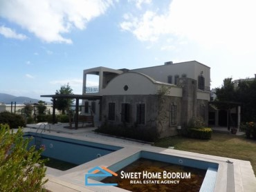 4+1 VILLA IN BITEZ WITH PRIVATE POOL AND SEA VIEW