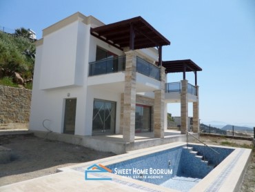 3+1 VILLA IN GUMUSLUK WITH SEA VIEW